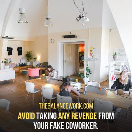 Signs Your Coworker Is Fake